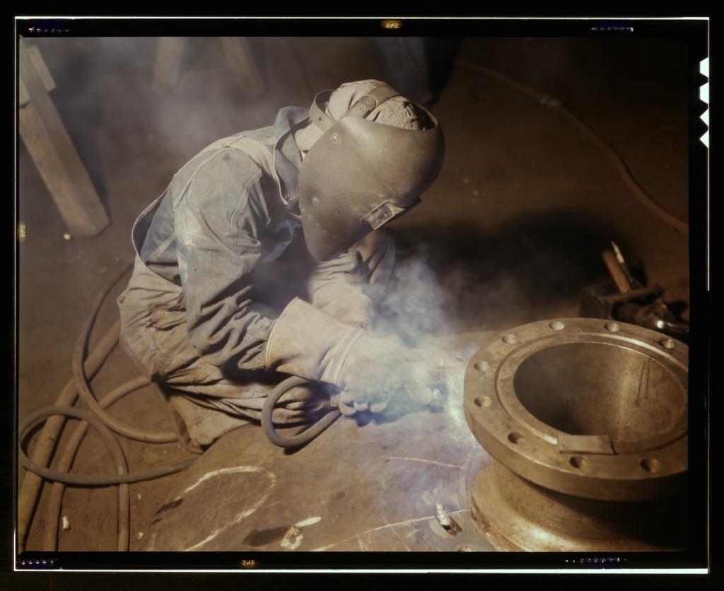 Src: https://commons.wikimedia.org/wiki/File:Welder_making_boilers.jpg